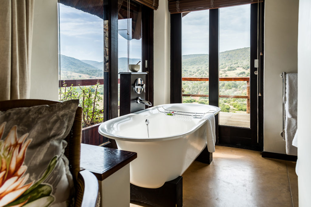 Hopewell Private Game Reserve Accommodation bath overlooking nature