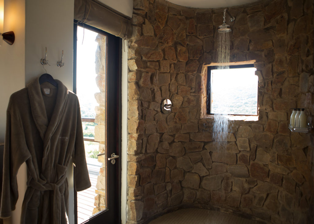 Hopewell-Private-Game-Reserve-Accommodation-Standard-Suite-Shower