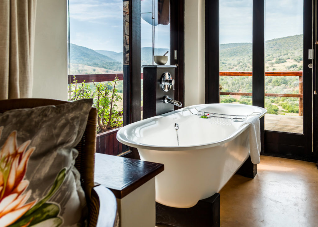 Hopewell-Private-Game-Reserve-Accommodation-Standard-Suite-Bathroom