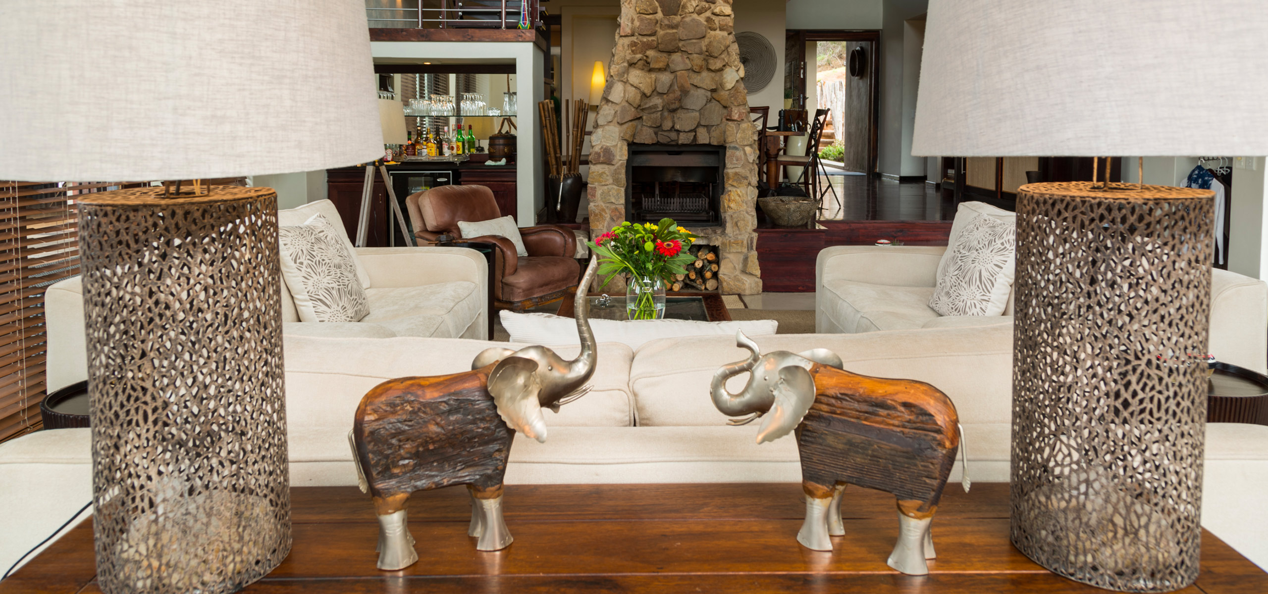 Hopewell-Private-Game-Reserve-Lodge-Lounge