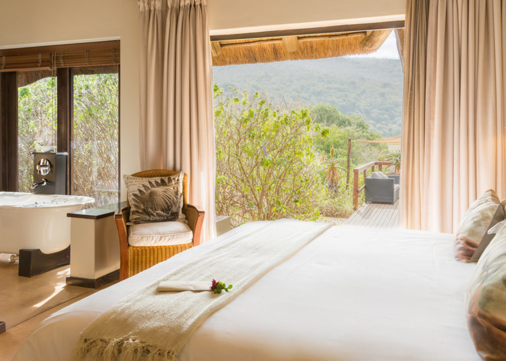 Hopewell-Private-Game-Reserve-Accommodation-Standard-Suite Bed